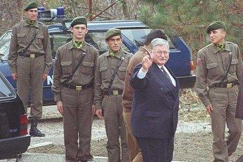 Darbelere karşı tank gibi dik duran bir siyasetçi: Hasan Celal Güzel
