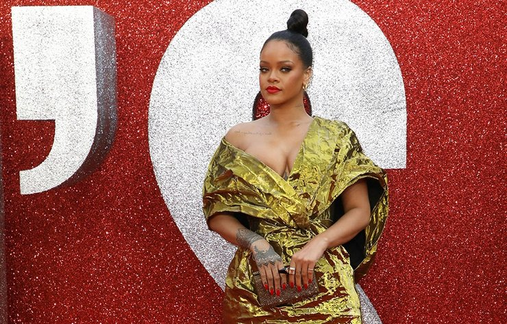 Rihanna, önceki gün 'Ocean's 8' filmindeki rol arkadaşlarıyla birlikte BBC'deki 'The Graham Norton Show'a konuk oldu.