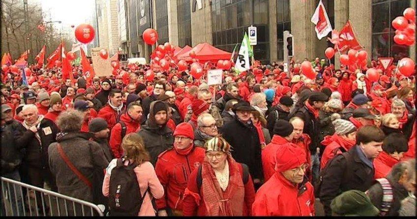 Brüksel'de çalışanlardan emeklilik protestosu