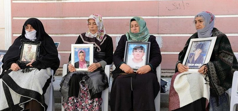 KURDISH FAMILIES CALL OUT HDP DEPUTIES FOR TURNING BLIND EYE TO THEIR SUFFERING