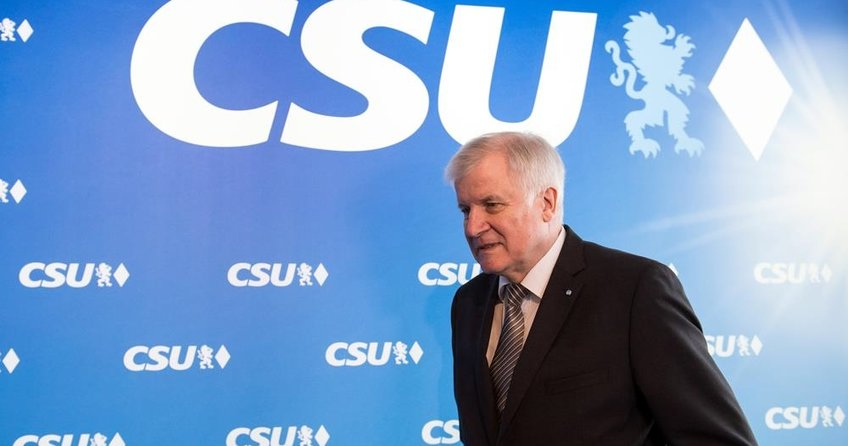 Seehofer sınır dışı işlemlerini artıracak