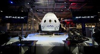 Crew Dragon, astronotları uzaya taşımak için yolculuğuna başladı