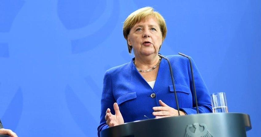 Merkel: İstikrarlı Türkiye bizim için önemlidir