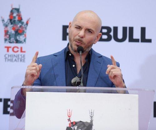Pitbull'dan anlamlı şarkı!