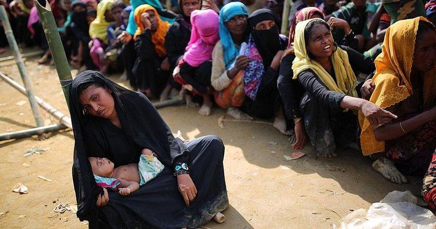 Binlerce Arakanlı Müslüman tarafsız bölgede bekliyor