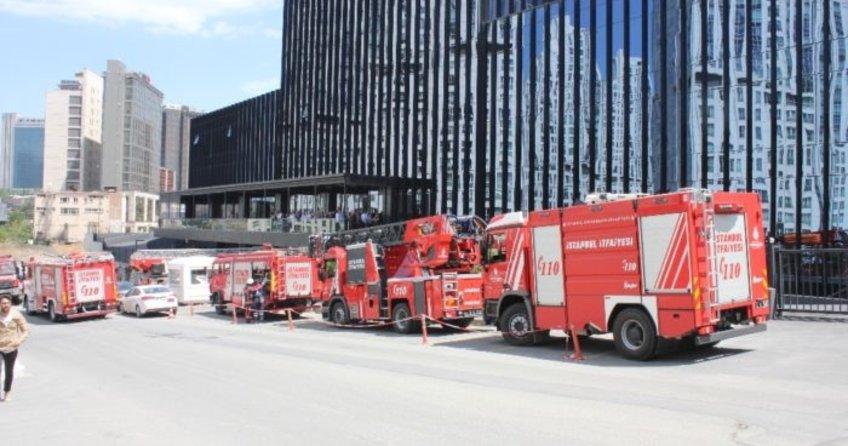 İstanbul'da plazada yangın paniği yaşandı!