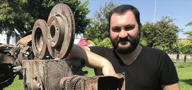TURKISH DIRECTOR UNABLE TO AFFORD FLIGHT TO HOLLYWOOD AWAITS AWARD DELIVERY BY CARGO