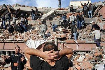 Depremin acıları kabuk bağladı