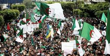 Algerians hold anti-regime demos for 10th Friday in row