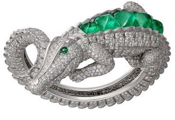 Cariıer ve sıradışı yeni mücevher tasarımı