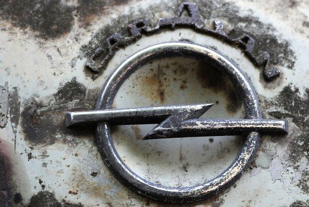 Opel'in üç modeline emisyon soruşturması