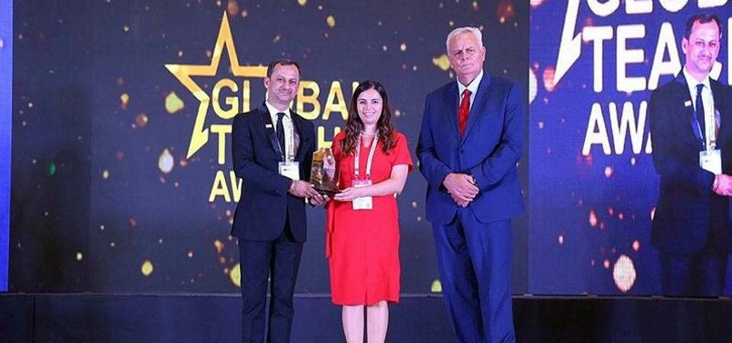 TURKISH TEACHER WINS GLOBAL TEACHER AWARD IN INDIA