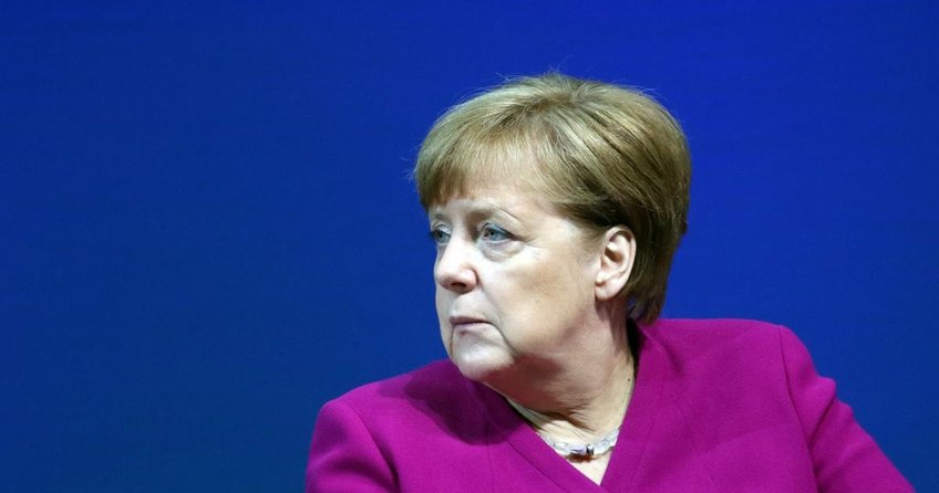 Merkelden Trumpa sert eleştiri