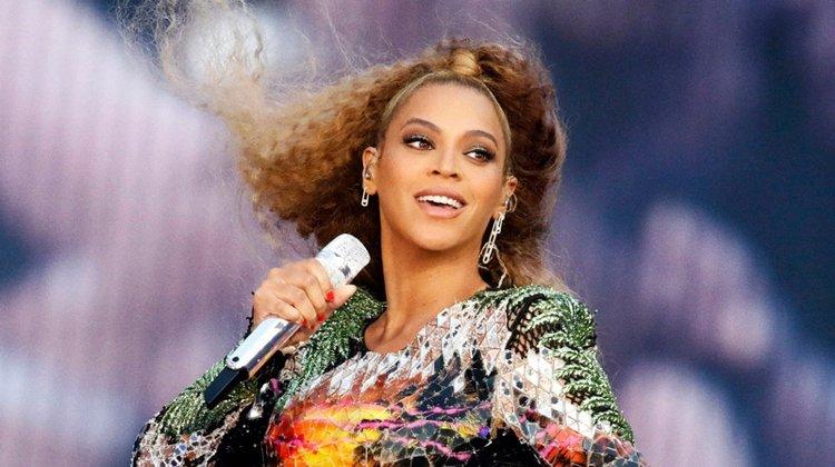 Beyonce'dan hayranlarını sevindiren sürpriz!