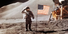 'US astronauts will land on moon within 5 years'