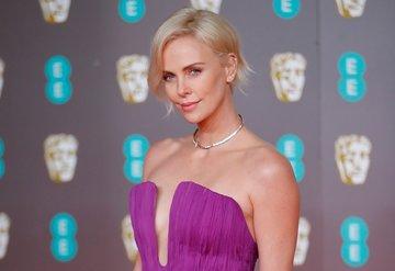 73. BAFTA kırmızı halısında şıklık yarışı