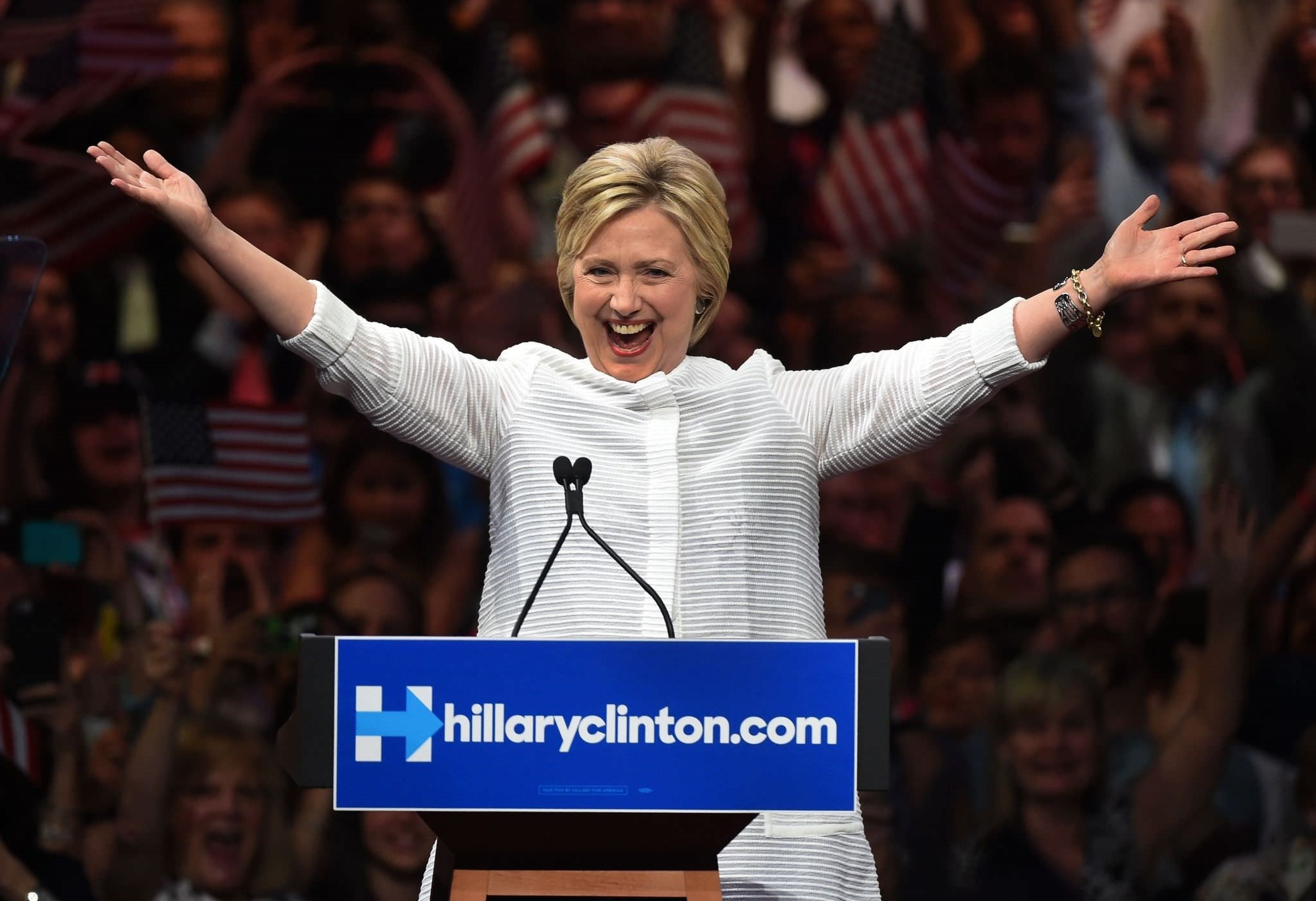 Democratic presidential candidate Hillary Clinton celebrates on stage during her primary night event at the Duggal Greenhouse, Brooklyn Navy Yard, June 7, 2016 in New York. (AFP Photo)