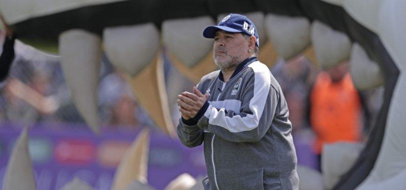 MARADONA EXTENDS CONTRACT AS COACH OF GIMNASIA