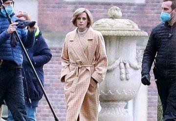 Kristen Stewart Prenses Dianayı Oynadığı Rolünde Yeni Saç Kesimiyle