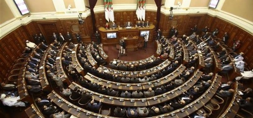 ALGERIA PARLIAMENT PREPARES TO LIFT TWO MPS IMMUNITY