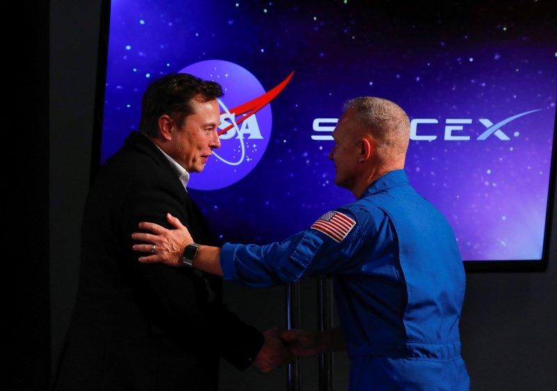 SPACEX'İN TAŞIYICI KAPSÜLÜ CREW DRAGON, GÖREVİ BAŞARIYLA TAMAMLADI