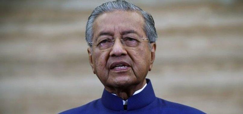 MALAYSIA'S MAHATHIR CRITICIZES STATE OF EMERGENCY