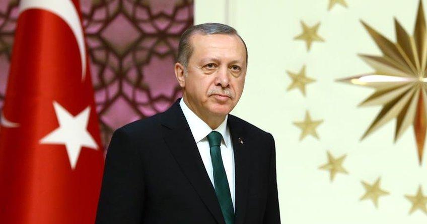 Cumhurbaşkanı Erdoğan: AK Parti 15 yıl sonra bugün de aynı aşkla çalışmaya devam ediyor