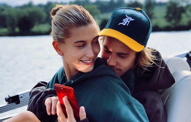Hailey Baldwin uzun zamandır iddia olarak kalan Justin Bieber ile evlendikleri söylentilerini Instagram hesabından ismini Hailey Baldwin olarak değiştirerek doğrulamış oldu.