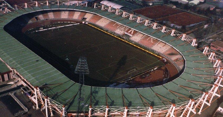 Tarihi 19 Mayıs Stadyumu yıkılıyor