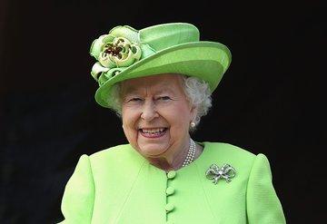 Kraliçe Elizabeth, halka Buckingham Sarayında piknik izni verdi