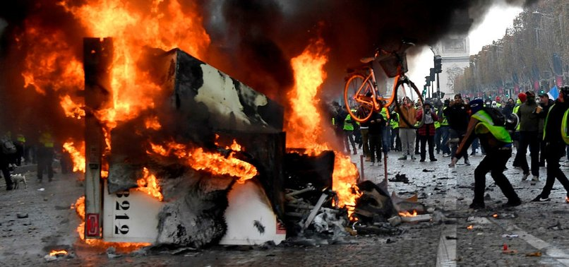 SEVEN KILLED AND 49 INJURED IN FUEL TRUCK BLAST IN COLOMBIA