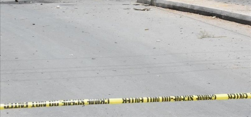 SUICIDE BOMBERS STORM POLICE COMPOUND IN SW PAKISTAN
