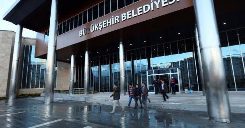 Van Valisi, Büyükşehir Belediyesi'ne atandı