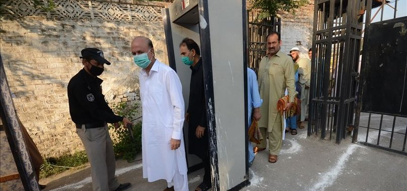 PAKISTAN: DAILY COVID-19 CASES DROP UNDER 3,000