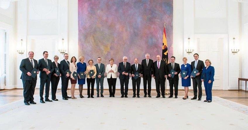 Merkel'in %100 Alman kabinesi
