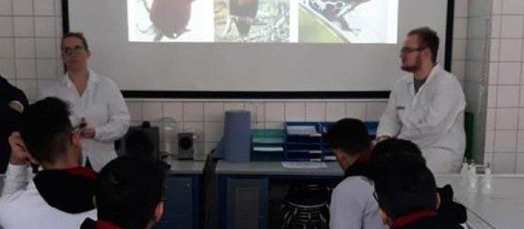 Liseliler Avrupa'da meslek öğreniyor