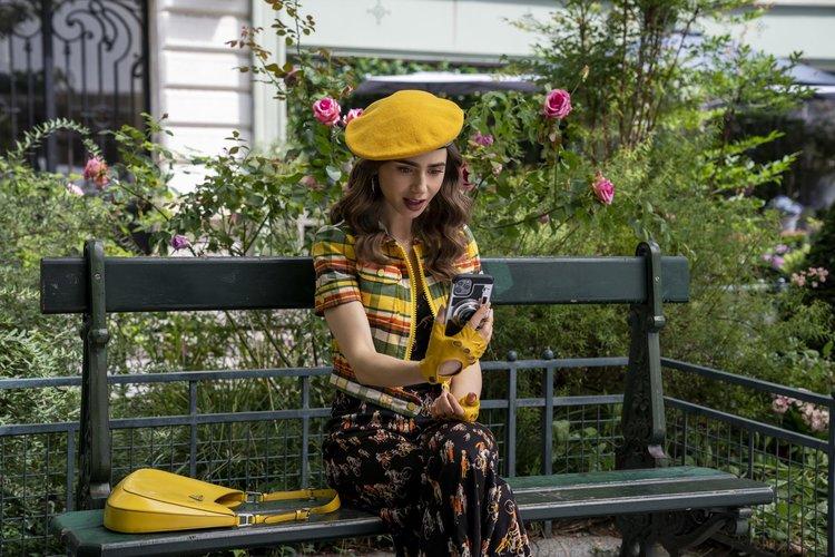 Emily in Paris'in 2. Sezonundan Yeni Kareler Yayınlandı