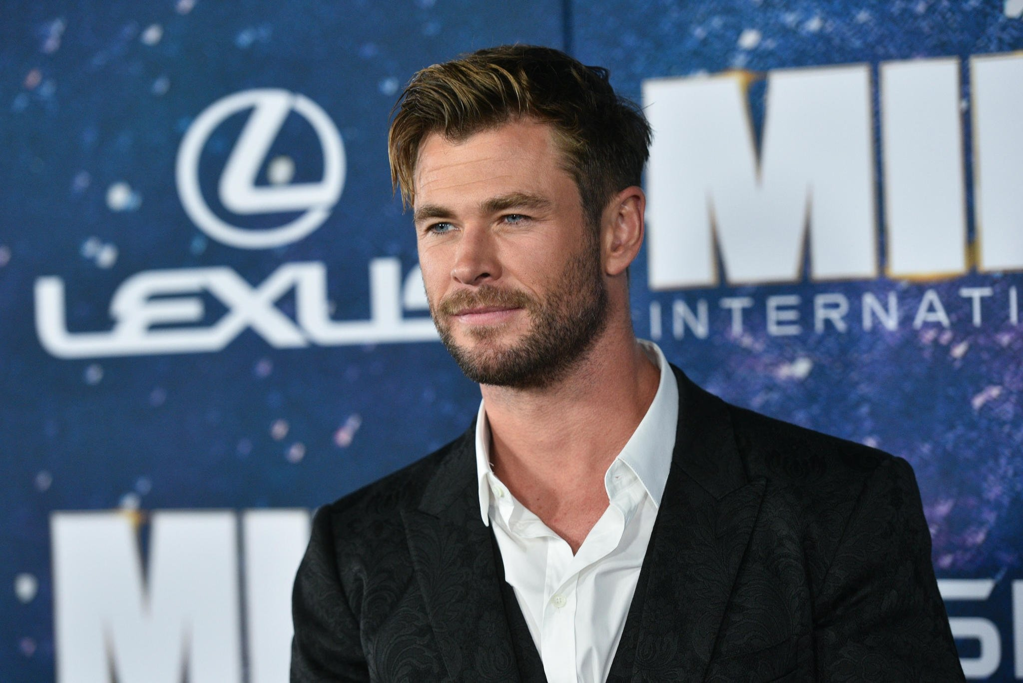 CHRİS HEMSWORTH'TEN 1 MİLYON DOLARLIK BAĞIŞ