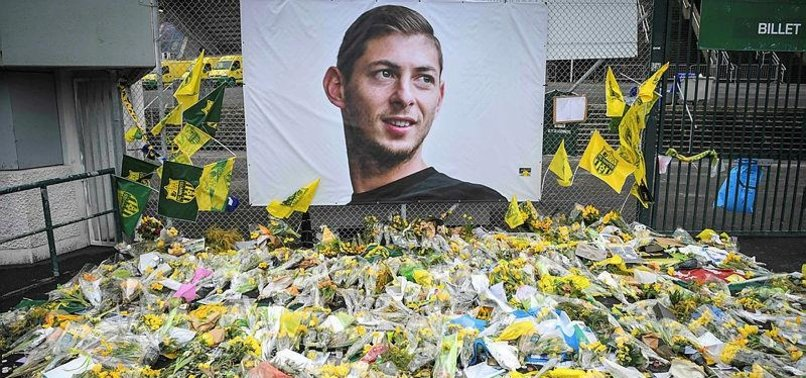 ARGENTINE FOOTBALL PLAYER SALAS DEATH MARKS 1 YEAR