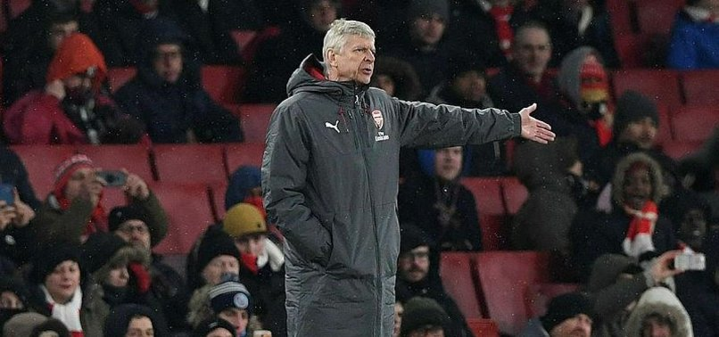 TIME RUNNING OUT FOR WENGER AS ARSENAL FANS MAKE FEELINGS KNOWN
