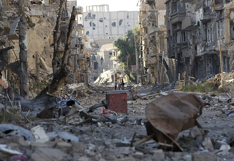 Damaged street in Deir al-Zor. (Reuters file photo)