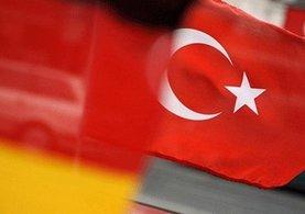 Almanya'ya havalimanında alıkonmasının ardından misliyle karşılık verildi