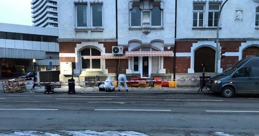 Almanya'da camiyi yakmaya çalışanlar tutuklandı