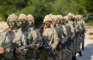 First women Turkish commandos break gender barriers