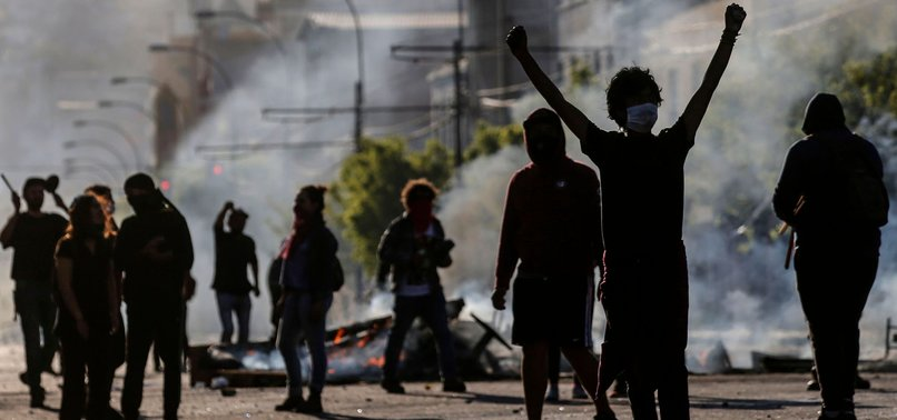 8 KILLED IN CHILE PROTESTS AGAINST METRO PRICE HIKES