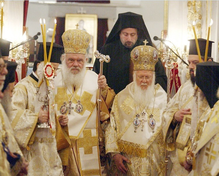 Ieronymos II (left), Archbischop of Greece, celebrates a mass with Bartholomew I (right), Fener Patriarch, in the Church of St. Mary of the Spring in Istanbul. 2008. (AA Photo)