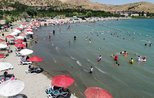 Lake Hazar attracting holidaymakers looking for places to cool off during summer