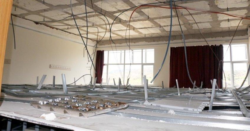 Burdur'da bir okulun tavanı çöktü: 5 yaralı