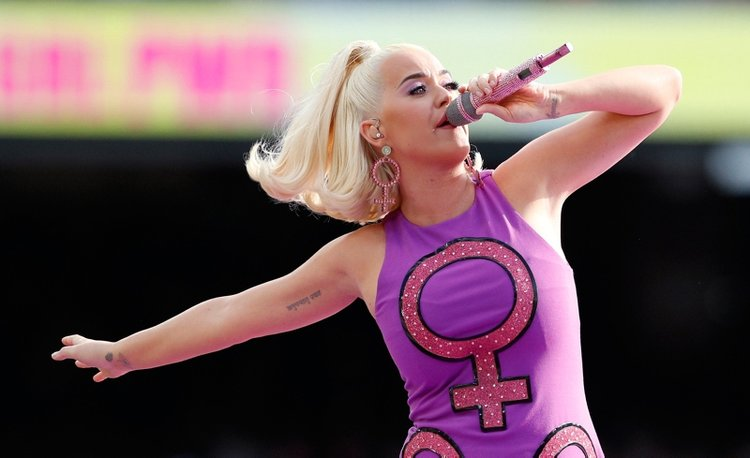 Kazanan Katy Perry oldu!