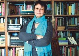 Prof. Dr. İştar Gözaydın Savaşır İzmir'de tutuklandı
